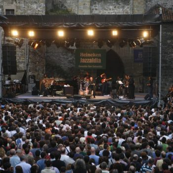 Plaza- Trinidad-Elvis Costello-2010
